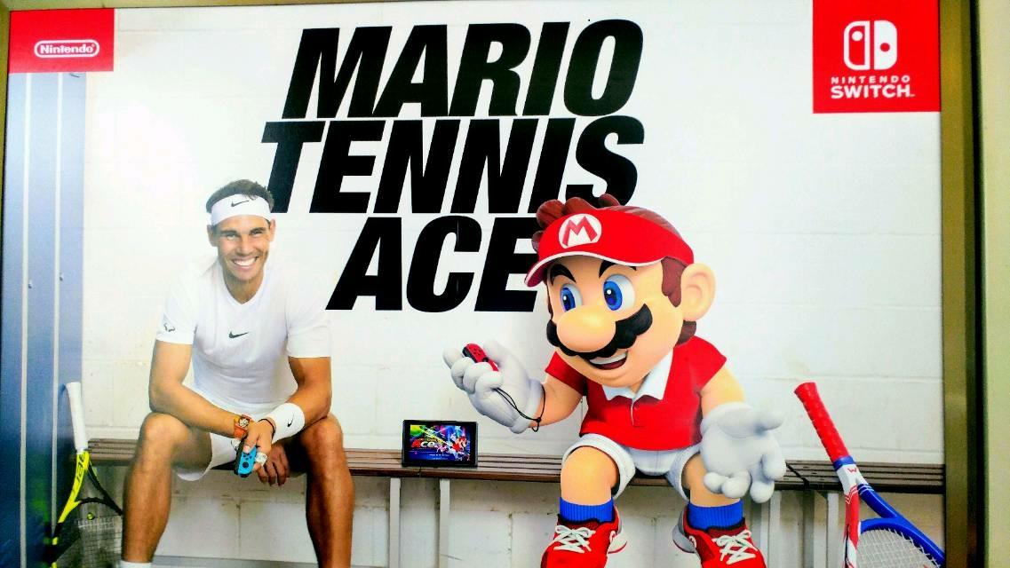 【渋谷駅にマリオとナダル選手が!?】実際にテニスをしたくなったらぜひテニサポへ!